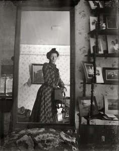 Edwardian Lady Selfie